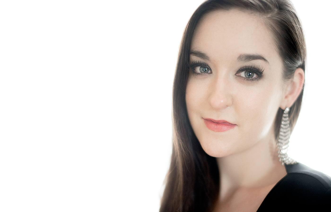 Siobhra Quinlan Soprano