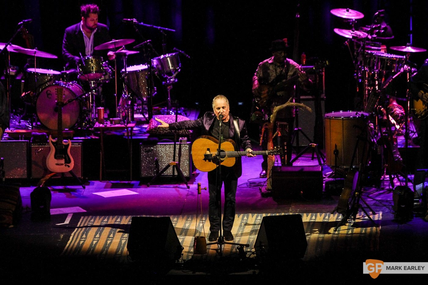 Photos of Paul Simon at the 3Arena by Mark Earley for GoldenPlec. Taken on November 21st in Dublin.