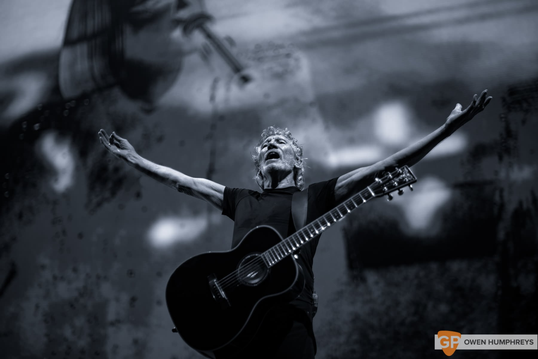 roger waters at the 3arena live review. Black Bedroom Furniture Sets. Home Design Ideas